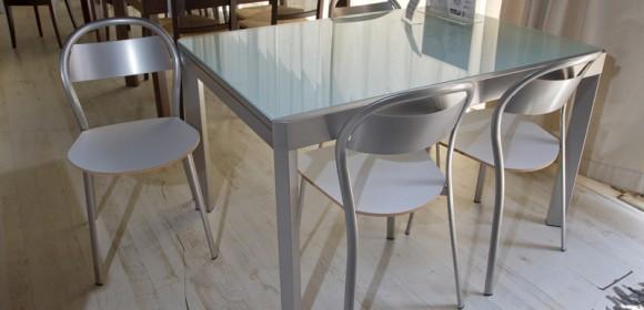 שולחן מטבח מזכוכית