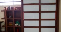 ארון עץ משולב