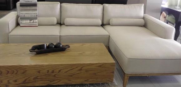 מערכת ישיבה מבד ספה ושזלונג דגם רוסו סוקל אלון
